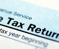 Upto Rs 10,000 fine for delay in filing income tax returns