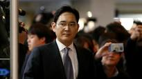 Samsung Group chief appears for second round of questions in graft probe