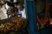 FSSAI decides to ban use of newspapers for packing food