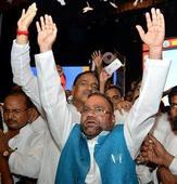 Maurya lashes out at Mayawati, maintains suspense on future