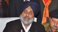 Punjab Dy CM Sukhbir Singh Badal's cavalcade stoned, 4 injured