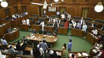Kejriwal ups ante in assembly session, wants note ban rolled back
