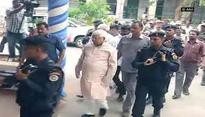Lalu appears before CBI court in fodder scam
