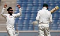 Ravindra Jadeja dares Steve Smith with mini-jig