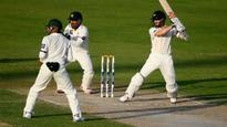 New Zealand in command as Pak batting collapses again