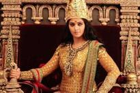 Anushka wins the Best Actor Female for Rudhramadevi at 63rd Britannia Filmfare Awards South 2016