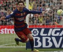 Lionel Messi Equals Ronald Koeman's Free-Kick Record at Barcelona