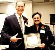 NFL Alumni and Hall of Fame honor Dr. Romesh Japra