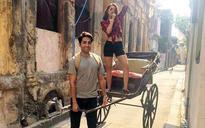 SEE PIC: Check out Ayushmann Khurrana and his pyaari Bindu's joyride in Kolkata