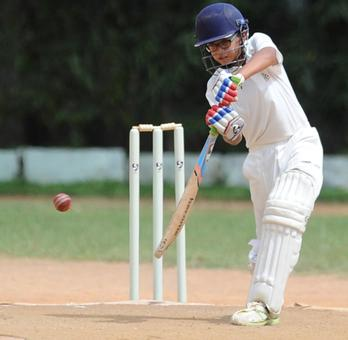 Dravid's son grabs eyeballs with hundred in school cricket