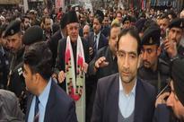 Farooq in Jammu's heritage Kanak Mandi; draws crowds
