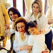 Neetu Kapoor and girls celebrate Krishna Raj Kapoor's birthday