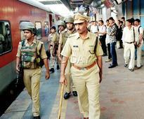 Mumbai: RPF cop who cracked 550 cases in 25 years honoured