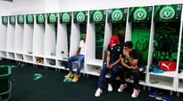 Three Players Grieve In Chapecoenses Lockeroom After They Lost 20 On Their Team To That Fateful Plane Crash