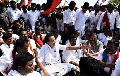 Cauvery row: Opposition bandh near total in Tamil Nadu