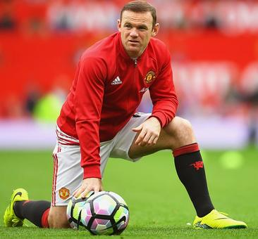 Sports Shorts: Rooney decided on United future; Rossi recovering
