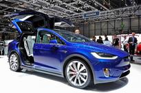 Tesla Model X Issues: Windows Not Closing, Doors Not Shutting