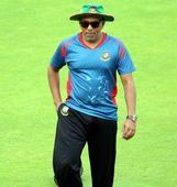 Sri Lanka appoint Hathurusingha as full-time coach