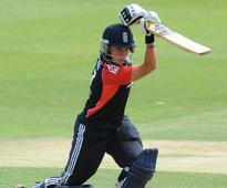 Injured England spinner Danielle Hazell returns home from Women's World Twenty20