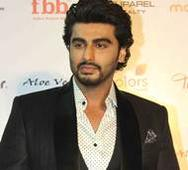 Arjun Kapoor showers `kisses` on his 3m Insta fans