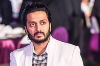 Riteish Deshmukh thanks fans on reaching two million Instagram followers
