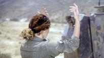 Former IDF commanders against women in tanks