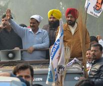 Toronto Punjabis head to India to campaign for AAP
