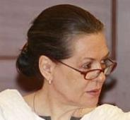 Rayal-Telangana issue: Sonia tells Telangana MPs not to worry