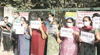 Residents protest as AMC buries culled birds surreptitiously in highly populated Memnagar