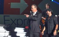 Watch Peyton Manning sing Johnny Cash's