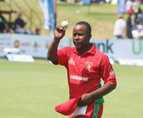 Utseya's magical hat trick help Zimbabwe bowl out South Africa for 231