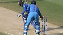 India v/s Sri Lanka, 3rd ODI: MS Dhoni's brilliant stumping stops Upul Tharanga from getting a ton