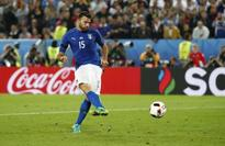 Juve's Italy defender Barzagli out for two months