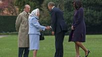 Obama flies to Queen's castle to wish her happy 90th birthday