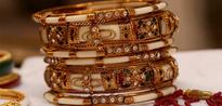 Gold Surges by Rs 175 on Buying by Jewellers