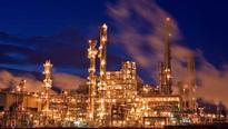 Asia oil refiners hungrily eye 300-item global oil smorgasbord