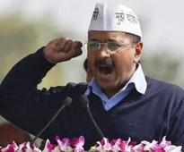 Kejriwal attacks Sharma over 'skirt' remarks