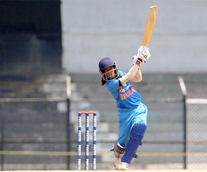 Tri-series: India women knocked out after 36 run-loss to Aus