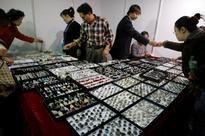 China goes cold on platinum jewelry, crimping world demand