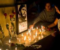 Elian Gonzalez returns to public eye to praise Fidel Castro
