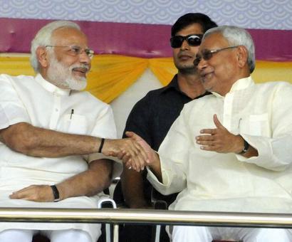 Nitish avoids queries over snub from Modi