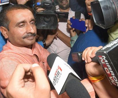 Unnao rape: HC raps police for not arresting BJP MLA; CBI takes over probe