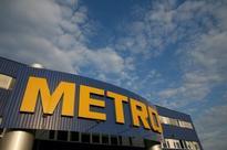 METRO : reports sluggish Christmas sales at Real and Media-Saturn