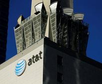 Bernie Sanders thinks Obama administration 'should kill' the AT&T-Time Warner deal