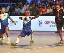 Premier Futsal 2017: Ronaldinho stars in Delhi Dragons win over Mumbai Warriors in opener