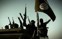French-speaking jihadist executes 'apostates' in IS video