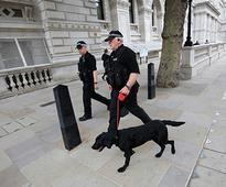 UK: Bomb disposal team called in after five arrested on terror charges