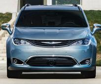 Detroit Auto Show 2016: All-New High-Tech 2017 Chrysler Pacifica Minivan Aims To Reinvent The Family Hauler