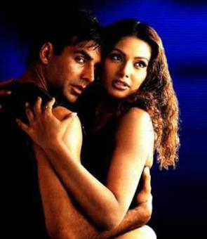 Quiz: What was the original title of Akshay's Ajnabee?