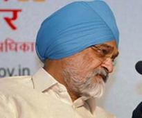 Montek Singh Ahluwalia mentions lost Aadhaar card during function, gets one in an hour